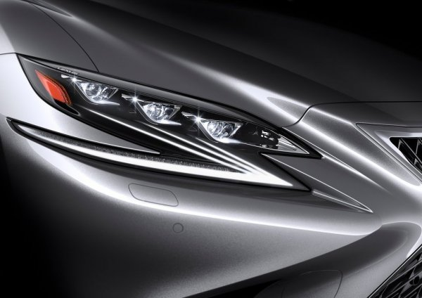 Новый Lexus LS 2018