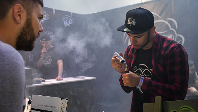 Курение вайпов и кальянов в 2018 году